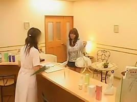 Asian stunner Hitomi Tanaka at the beauty clinic