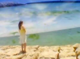 Exotic Japanese model Shizuku Natsukawa in Amazing Girlfriend, Beach JAV clip
