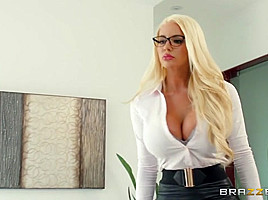Showing Her Whos Boss - BrazzersNetwork