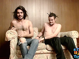 Devin Reynolds & Drift in Naked thugs Devin Reynolds and Drift love trading blowjobs - StraightNakedThugs