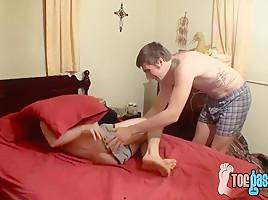 Cooper Reeves & Mathias Sterling in Cooper Reeves and Mathias Sterling love licking feet in bed - ToeGasms