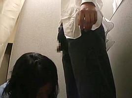 Fitting room 4(censored)