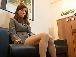 <調教動画>綺麗な茶髪の...
