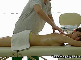 Adell Video - TrickyMasseur