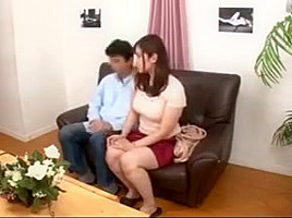 Japanese wife accepted being a naked model and got horny
