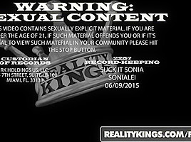 RealityKings - Moms Bang Teens - Elektra Rose Isiah Maxwell Syren Demer - Freaky Elektra
