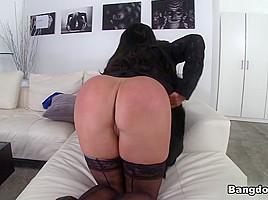Nikki Benz in Nikki Benz gets a dirty face Video