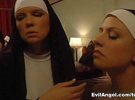 Chastity Lynn,Rain DeGrey,Jessie Volt,Ashley Fires,Roxy Raye in Voracious 2 ep10 - The Devil Will Come To You