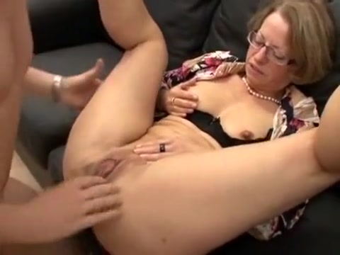 8349-Sewing up her pussy superzooi
