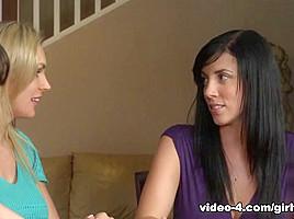 Tanya Tate & Jodi West in Lesbian House Hunters #05, Scene #03