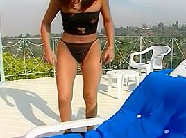 Cinna Bunz And Mariah Swallow A Big Cock