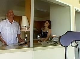 Massive Oral Sex Orgy At Porn Mansion
