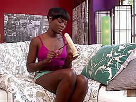 Ana Foxxx Toys Her Hot Pussy With A Dildo